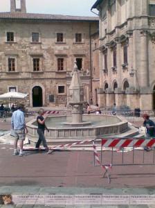 new-moon-fountain-montepulciano-italy-volterra-224x300